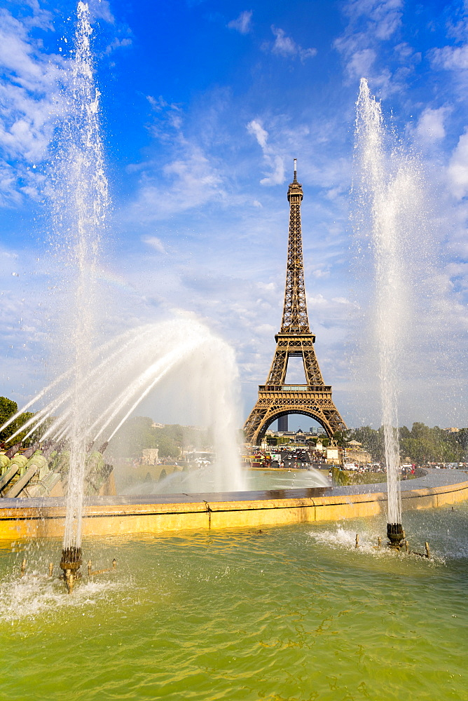 Eiffel Tower and Trocadero fountains & water canons, Paris, France, Europe. - 1237-230