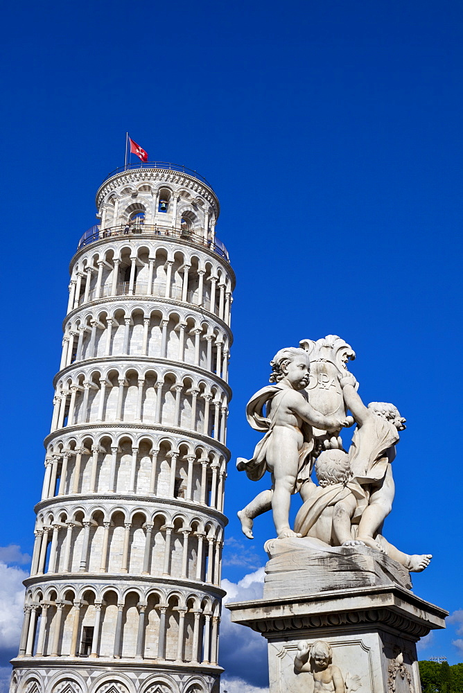 The Leaning Tower of Pisa, campanile or bell tower, Fontana dei Putti, Piazza del Duomo, UNESCO World Heritage Site, Pisa, Tuscany, Italy, Europe