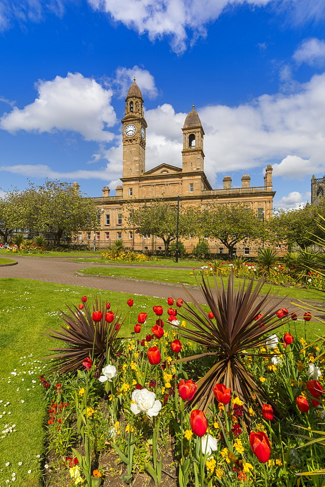 Paisley Town Hall and gardens at Dunn Square, Paisley, Renfrewshire, Scotland, United Kingdom, Europe - 1237-76
