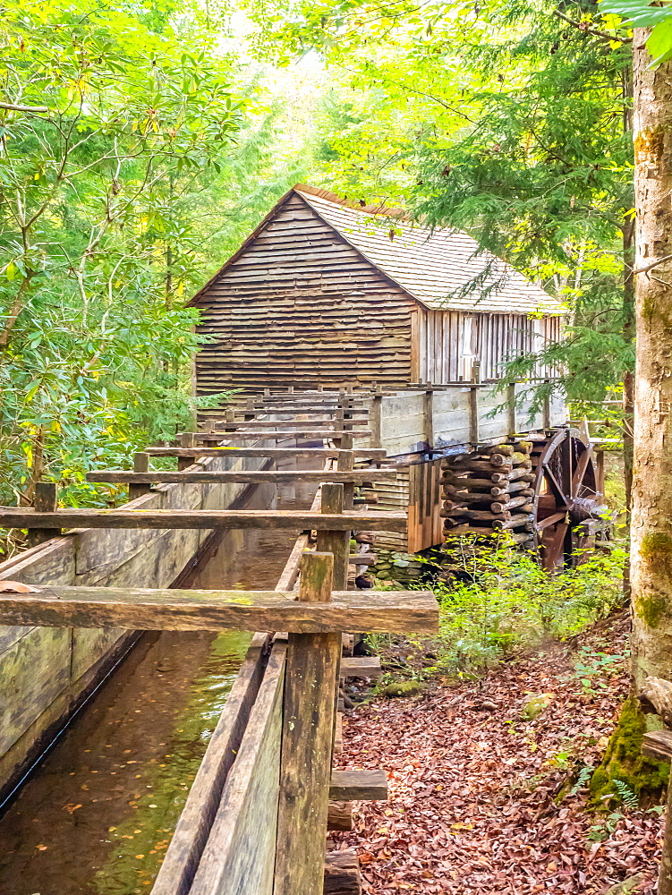 Old mill building, Cades Cove, Great Smoky Mountains National Park, Tennessee, United States of America, North America