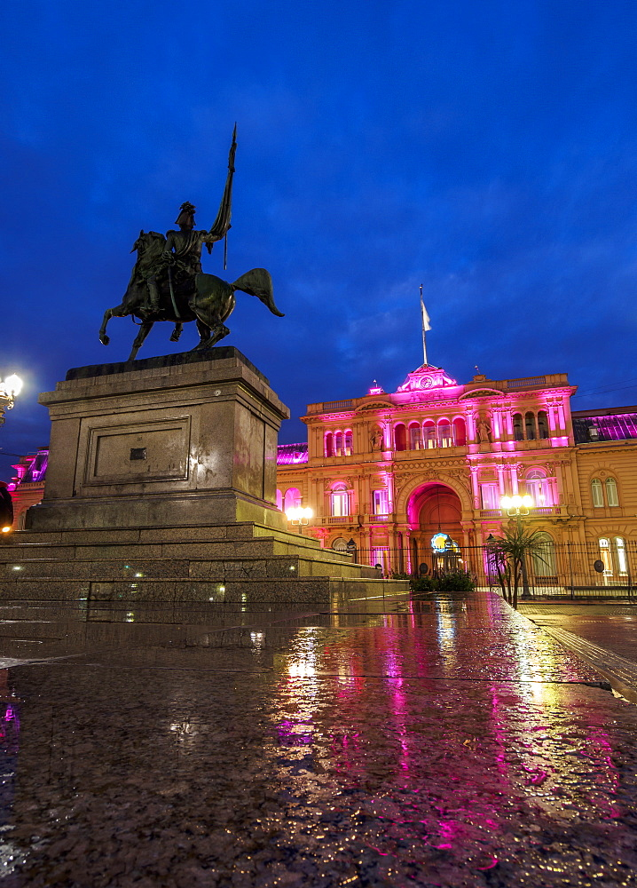 Twilight view of the Casa Rosada on Plaza de Mayo, Monserrat, City of Buenos Aires, Buenos Aires Province, Argentina, South America