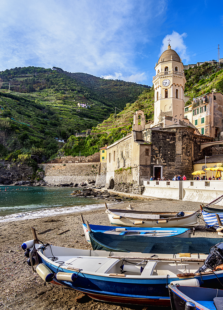Santa Margherita di Antiochia Church, Vernazza, Cinque Terre, UNESCO World Heritage Site, Liguria, Italy, Europe