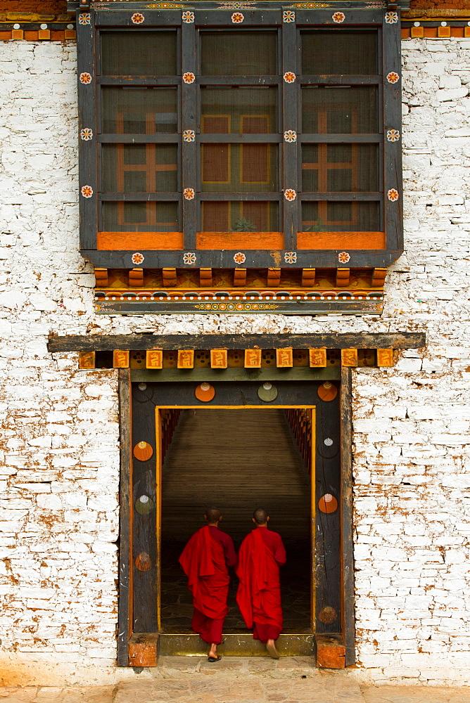 The Punakha Fortress and Buddhist monks, Paro, Bhutan, Asia - 1262-18