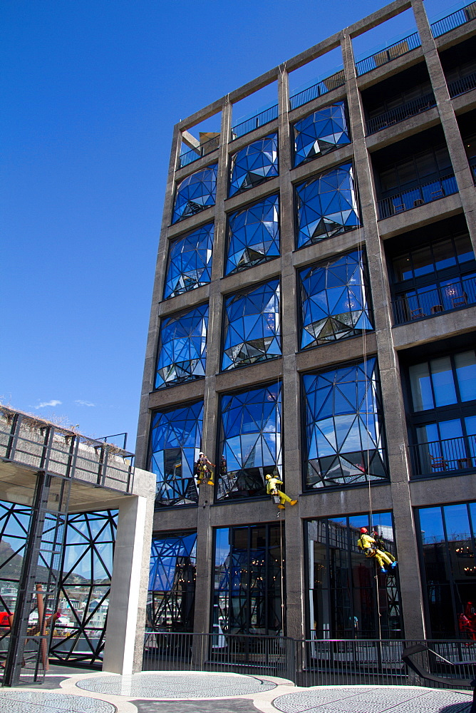 Window cleaning at the Silo Hotel, Cape Town, South Africa, Africa - 1262-194