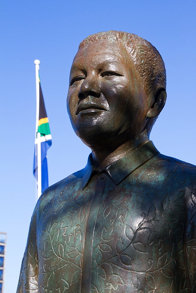 Nelson Mandela statue with South African flag, the Waterfront of Cape Town, South Africa, Africa - 1262-199