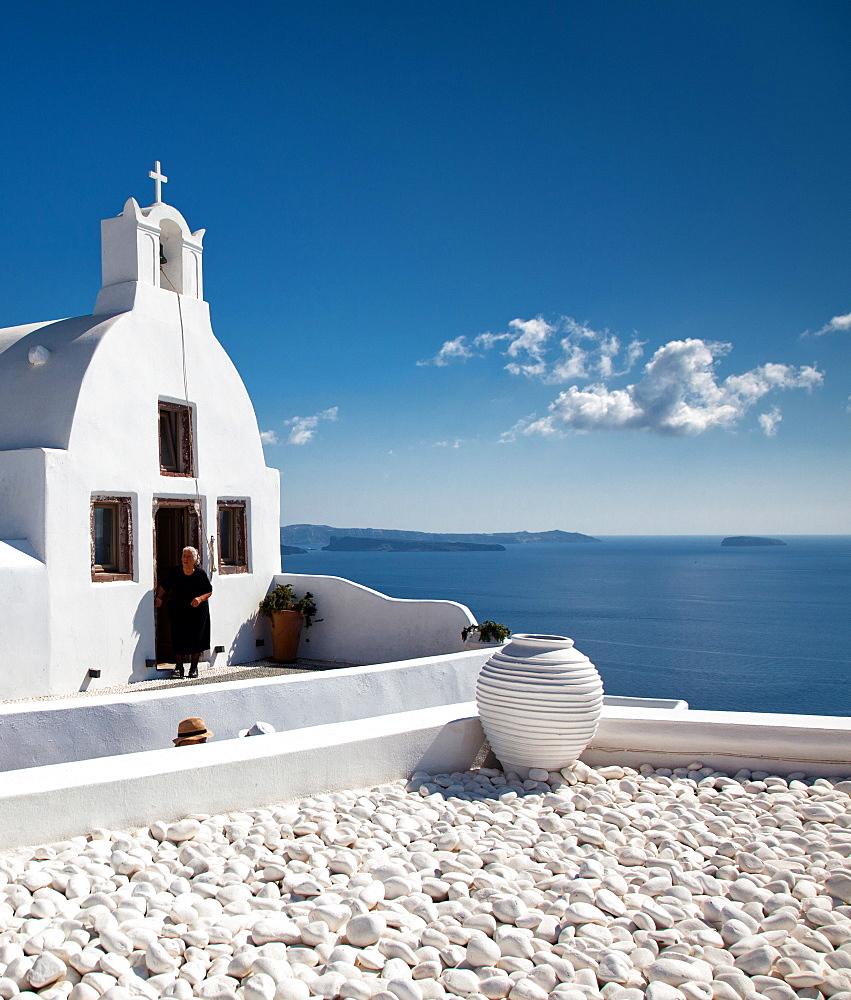 Traditional Greek village of Oia, Santorini, Cyclades, Greek Islands, Greece, Europe - 1265-58
