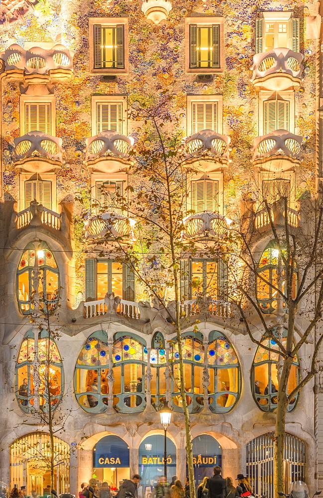 Casa Batllo, modernist architecture by Antoni Gaudi, UNESCO World Heritage Site, Paseo de Gracia Avenue, Barcelona, Catalonia, Spain, Europe