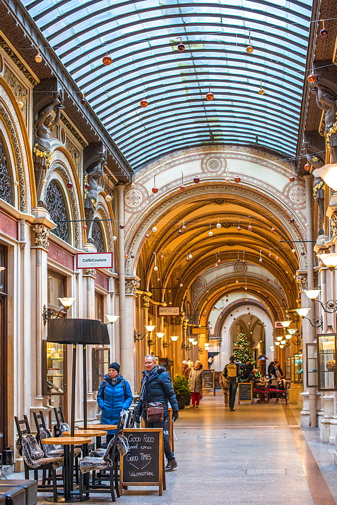 Cafes and shops in the Freyung Passage, Palais Ferstel, Herrengasse street, Innere Stadt, Vienna, Austria, Europe