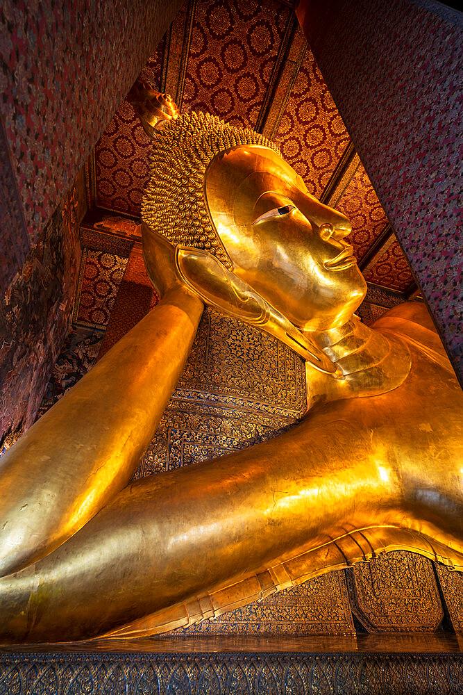 Reclining golden Buddha in Wat Phra Chetuphon (Wat Pho) temple, Bangkok, Thailand, Southeast Asia, Asia