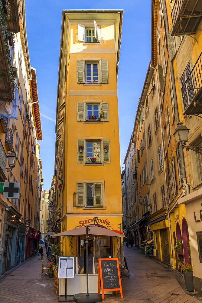 Narrow building in the old town (Vieux-Nice) near Rossetti Square, Nice, Alpes Maritimes, Cote d'Azur, French Riviera, Provence, France, Mediterranean, Europe
