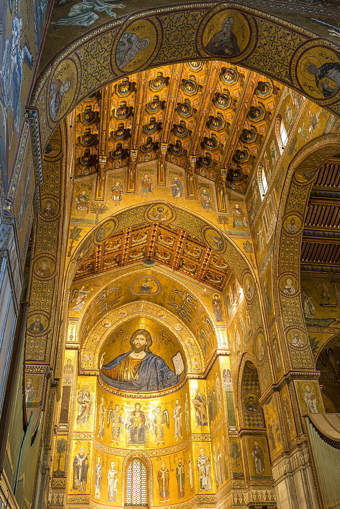 Interior of Monreale Cathedral, UNESCO World Heritage Site, Monreale, Palermo, Sicily, Italy, Europe