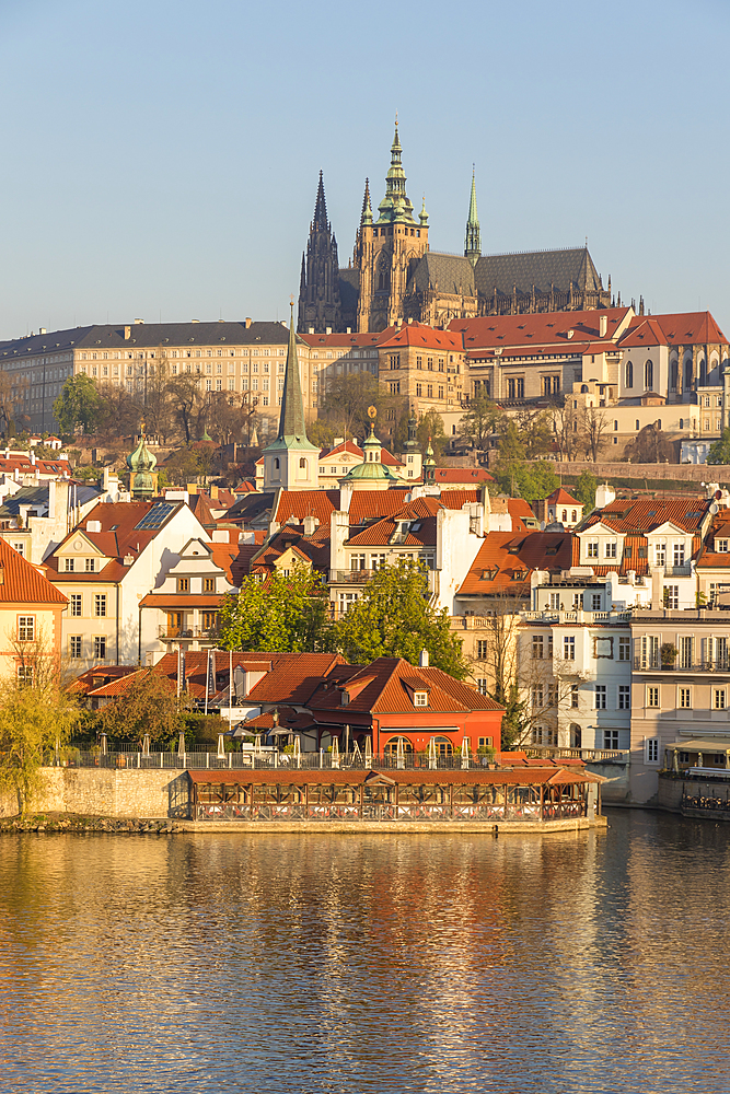 View from the banks of Vltava River over the Mala Strana district and Prague Castle, Prague, Bohemia, Czech Republic, Europe