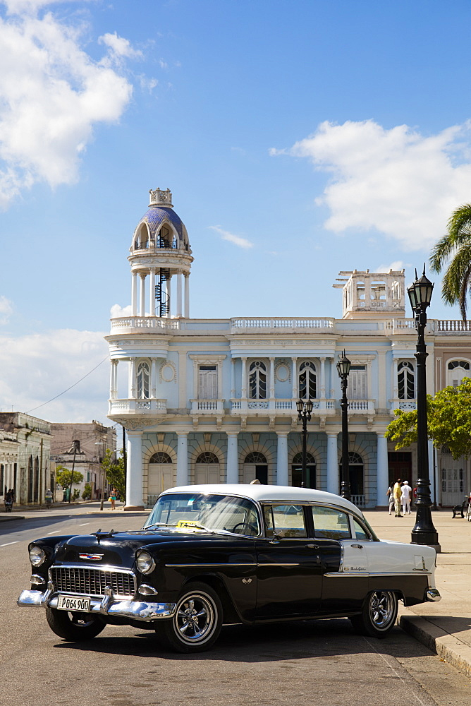 Black and white Chevrolet Bel Air by Plaza Jose Marti, Cienfuegos, UNESCO World Heritage Site, Cuba, West Indies, Caribbean, Central America - 1284-166