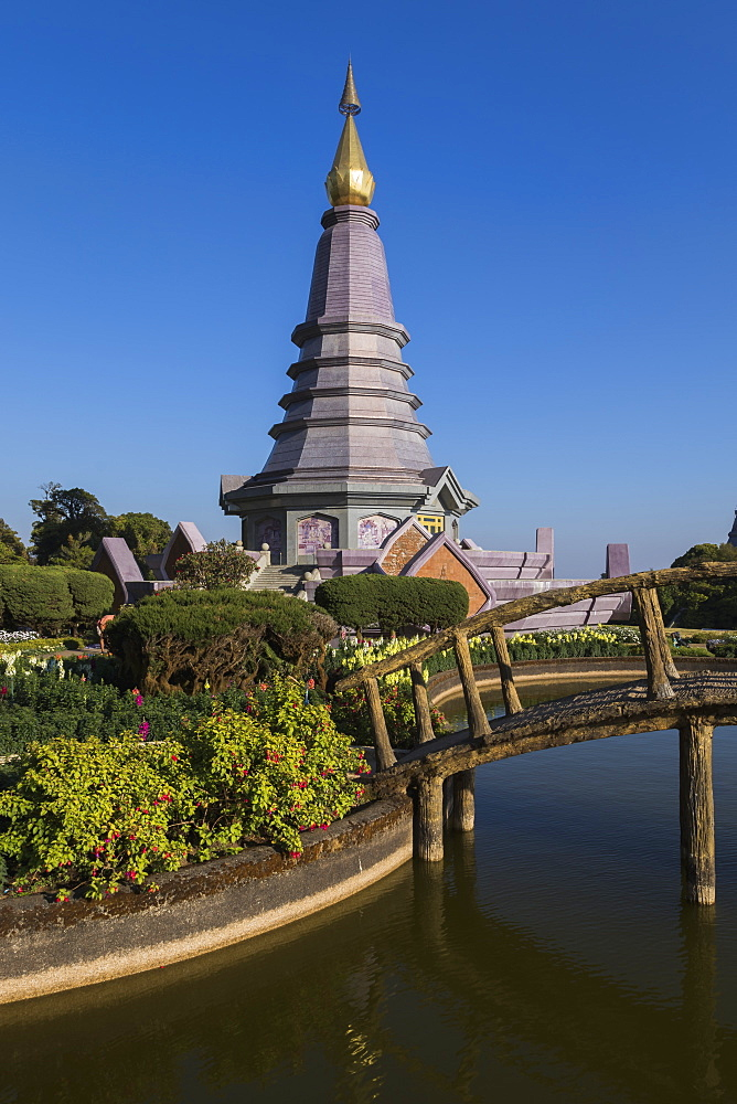 King and Queen Pagodas, Doi Inthanon, Thailand, Southeast Asia, Asia - 1286-38