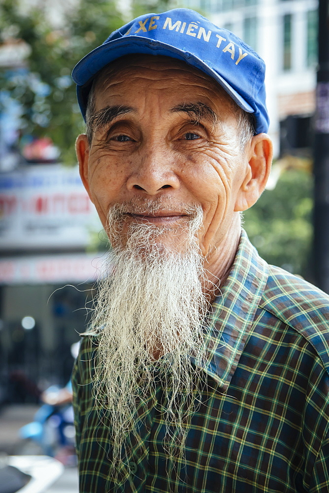 Vietnamese man with a long beard, Ho Chi Minh City, Vietnam, Indochina, Southeast Asia, Asia - 1286-44