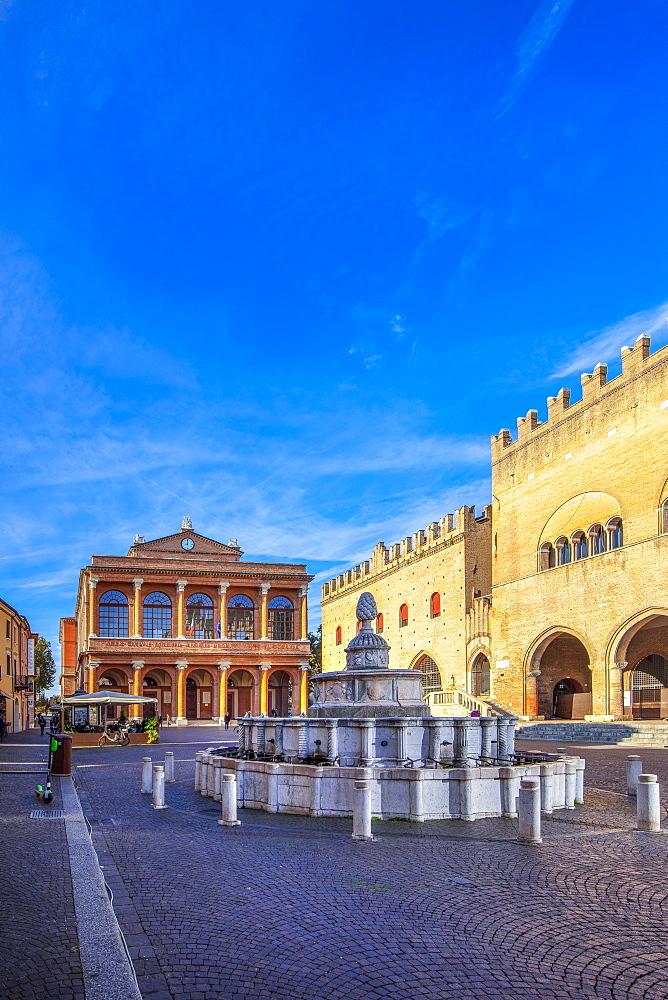 Piazza Cavour, Rimini, Emilia Romagna, Italy, Europe