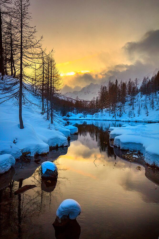 Lake of the Witches (Lago delle Streghe), Alpe Devero, Val d'Ossola, Verbano Cusio Ossola, Piemonte, Italy, Europe - 1292-1711