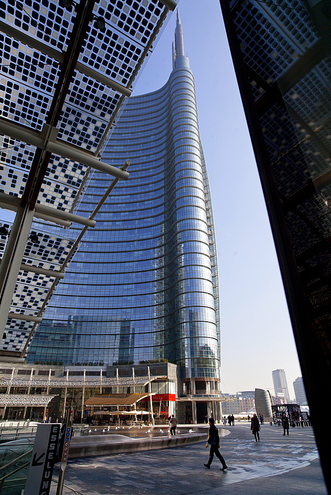 Piazza Gae Aulenti, the Uncredit Tower,Porta Nuova district,Milano, Lombardia, Italy