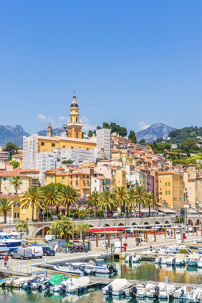 The harbour and the old town in Menton, Alpes Maritime, Provence Alpes Cote d'Azur, French Riviera, France, Mediterranean, Europe - 1297-1023