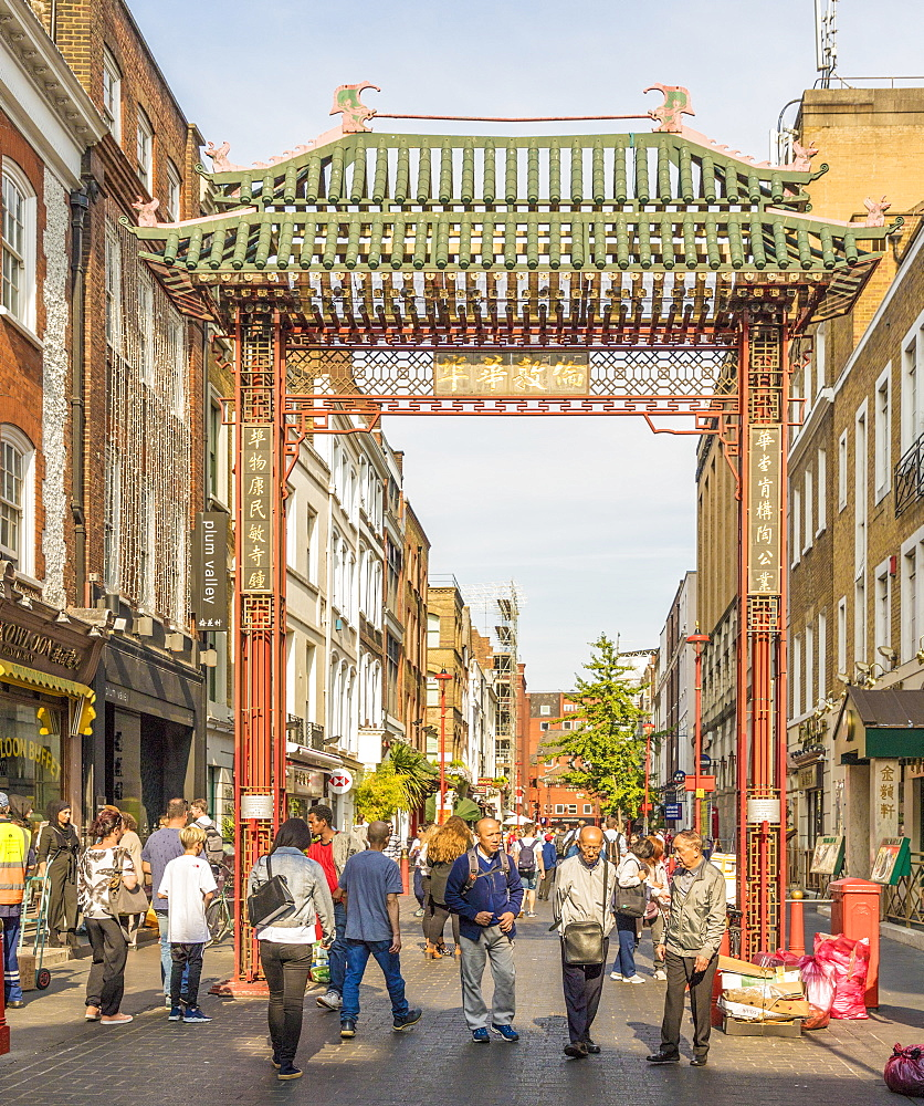 A view of the gate leading to Chinatown in Soho, London, England, United Kingdom, Europe. - 1297-215