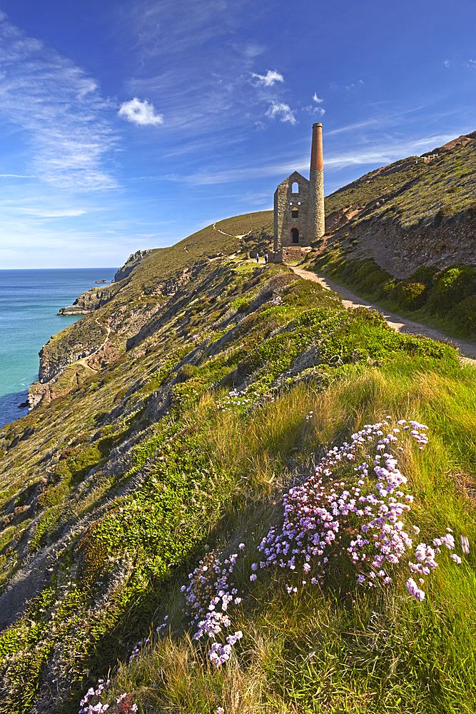 Wheal Coates tin mine and engine house near St Agnes, Cornwall, England, United Kingdom, Europe.