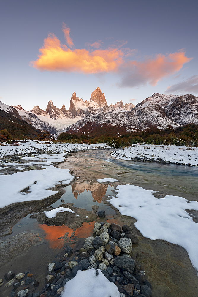 Mount Fitz Roy with hanging clouds, Los Glaciares National Park, UNESCO World Heritage Site, El Chalten, Santa Cruz Province, Patagonia, Argentina, South America