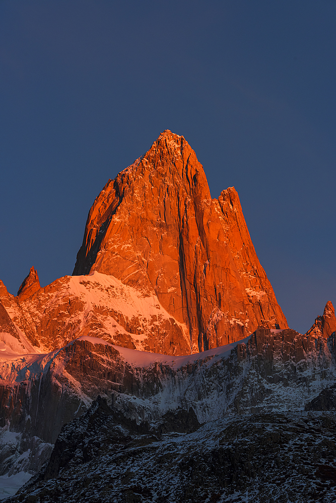 Mount Fitz Roy bathed in morning sun, Los Glaciares National Park, UNESCO World Heritage Site, El Chalten, Santa Cruz Province, Patagonia, Argentina, South America