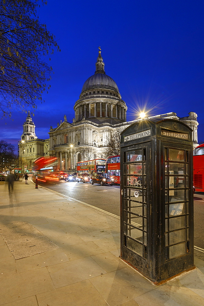 St. Paul's Cathedral at dusk, London, England, United Kingdom, Europe