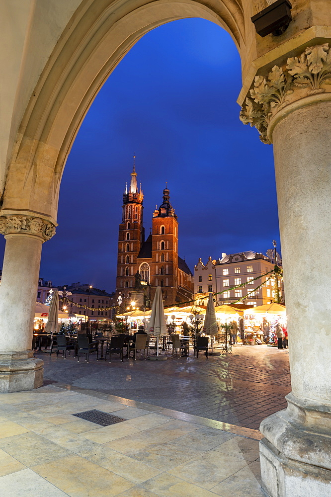 Exterior view of Saint Mary's Basilica in Market Square at night, UNESCO World Heritage Site, Krakow, Poland
