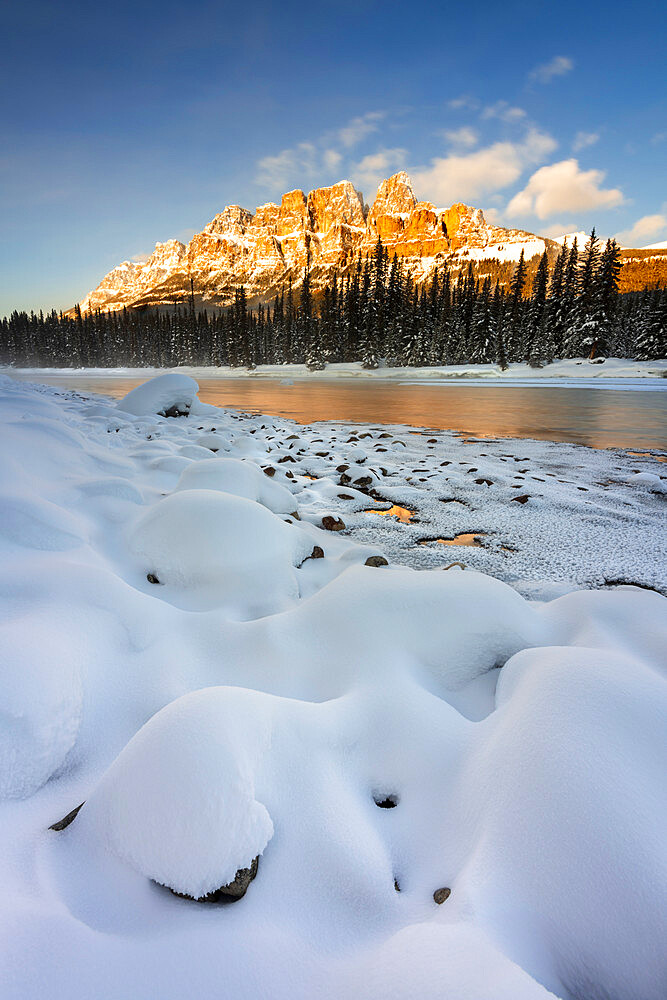 Castle Mountain with Bow River in winter, Banff National Park, UNESCO World Heritage Site, Alberta, Canada, North America - 1306-727