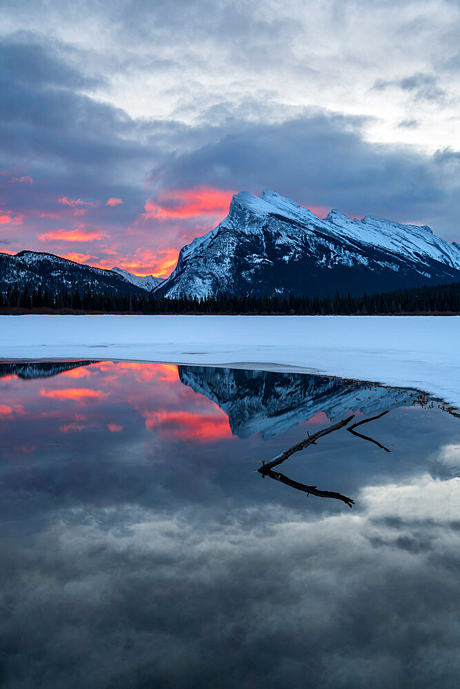 Reflections at sunrise of Mount Rundle, Vermilion Lakes in the Canadian Rocky Mountains, Banff National Park, UNESCO World Heritage Site, Alberta, Canada, North America