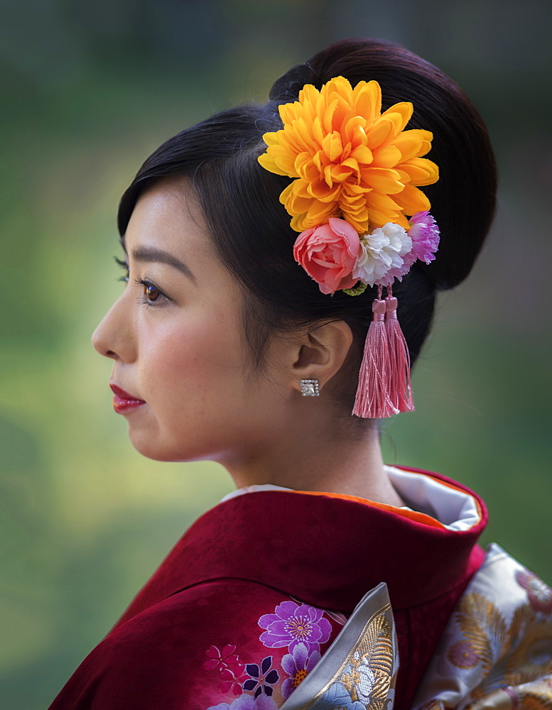 Japanese lady in traditional costume, Takamatsu, Japan, Asia