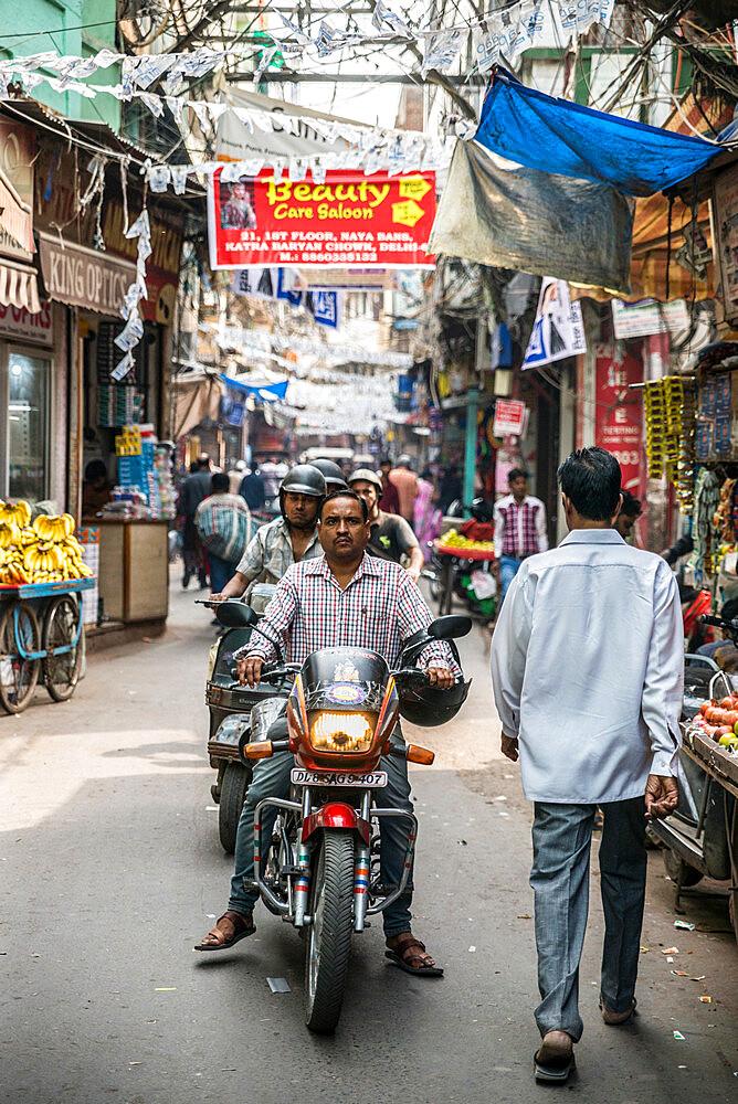 Street scene, Chandni Chowk, Old Delhi, India, Asia - 1341-10