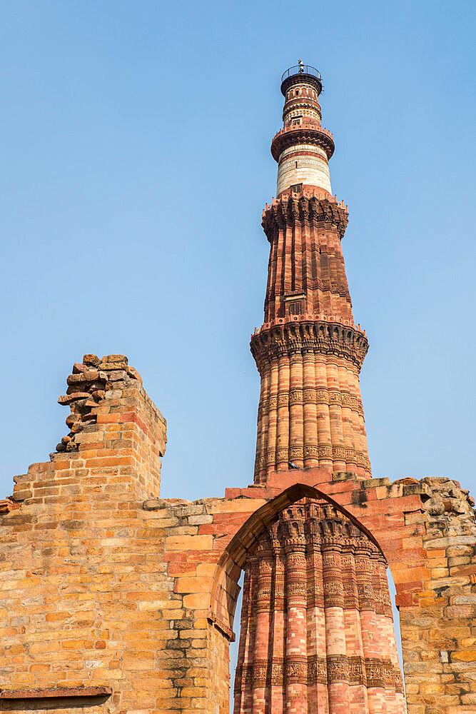 Qutub Minar, minaret and victory tower, UNESCO World Heritage Site, New Delhi, India, Asia - 1341-30