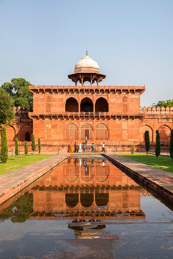 Taj Mahal, UNESCO World Heritage Site, Agra, Uttar Pradesh, India, Asia - 1341-63