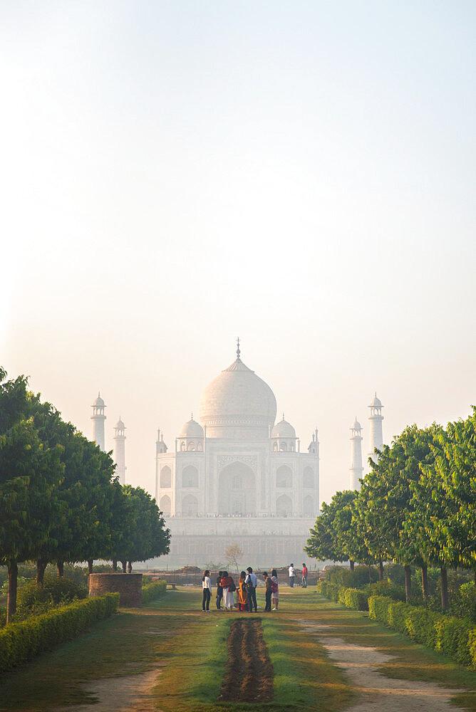 Taj Mahal, UNESCO World Heritage Site, Agra, Uttar Pradesh, India, Asia - 1341-66