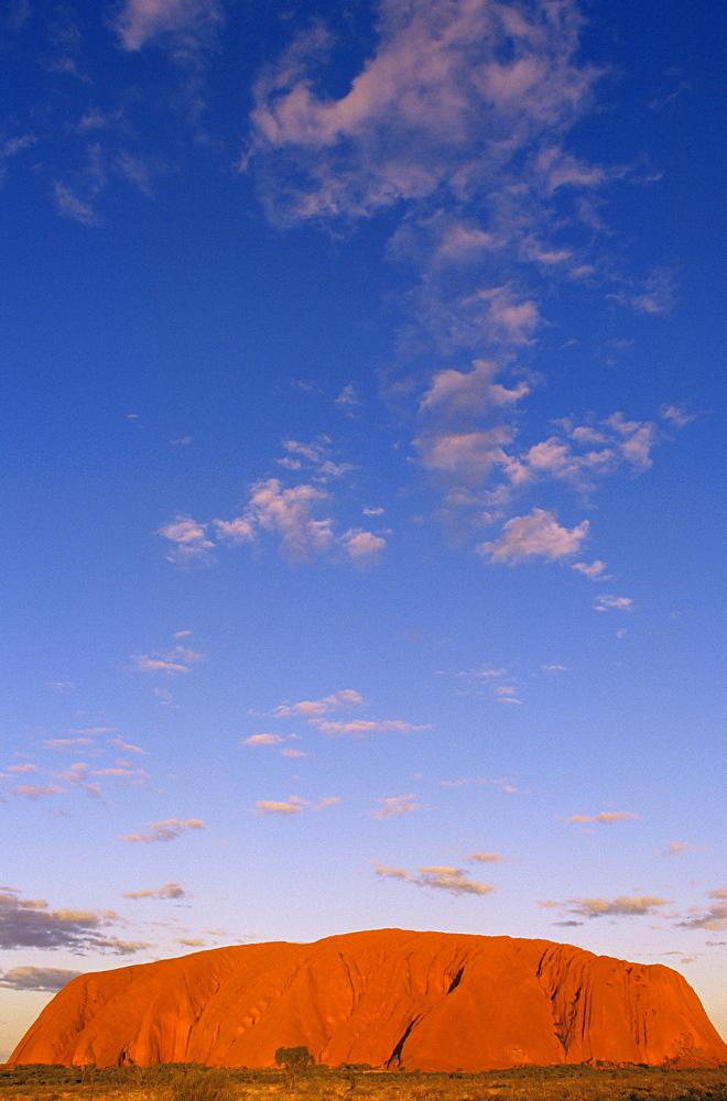 Ayers Rock, Uluru-Kata Tjuta National Park, Northern Territory, Australia, Pacific - 142-5996