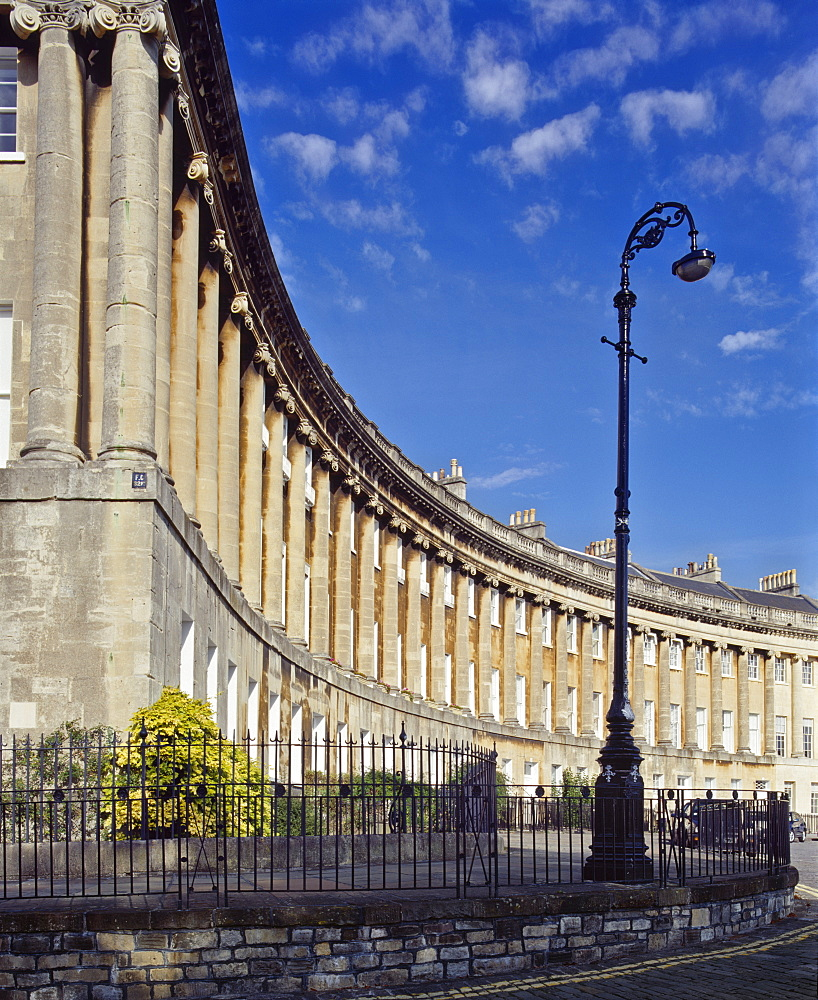 The Royal Crescent designed by John Wood the Younger and built 1767-74 comprising 30 houses in a 200m arc overlooking the town, Bath, Avon, England, United Kingdom, Europe - 16-3212