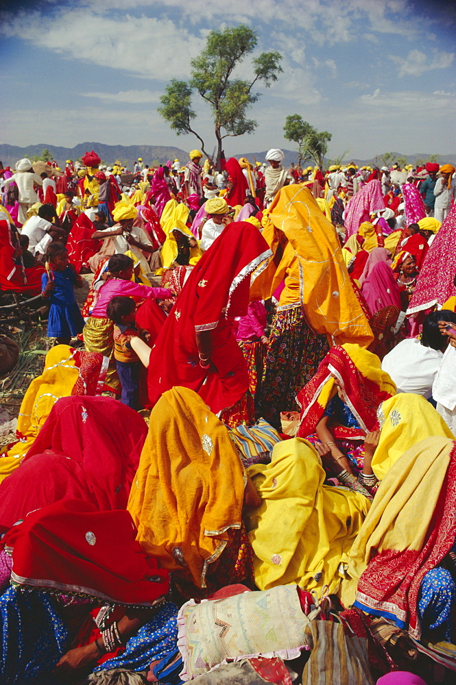 Crowds at the Pushkar Camel Fair, Pushkar, Rajasthan, India - 17-202