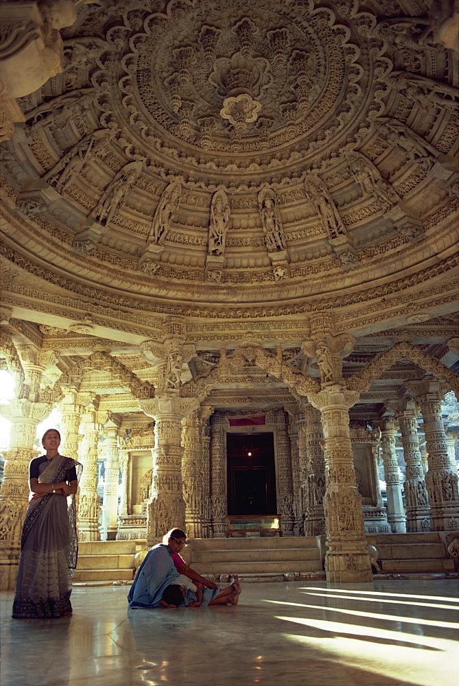 Interior of Vimal Vasahi Temple, built in 1031 dedicated to the first Jain saint, Mount Abu, Rajasthan state, India, Asia