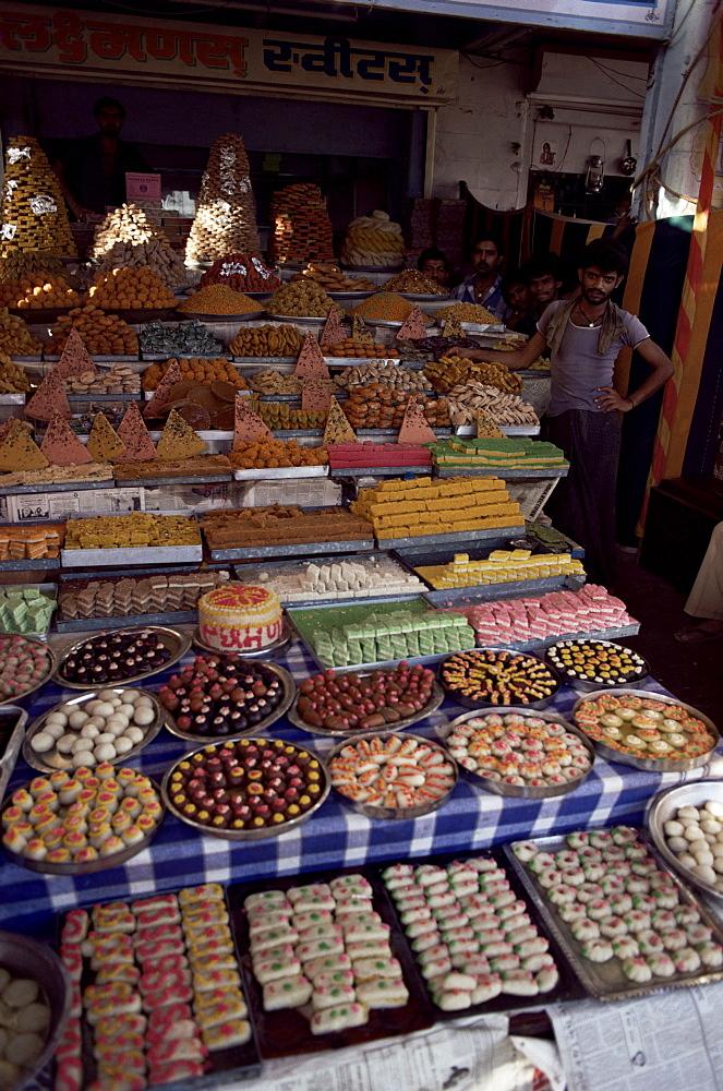 Sweet shop, Ahmedabad, Gujarat state, India, Asia