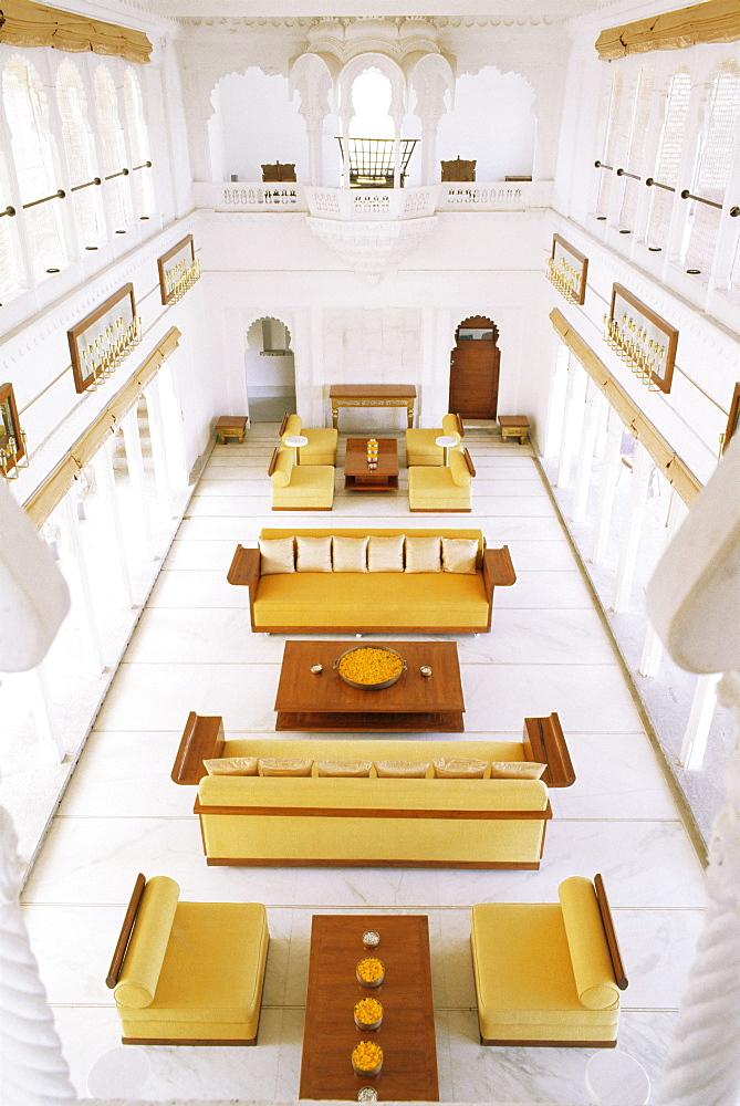 The Grand Durbar Hall, Devi Garh Fort Palace Hotel, one of the best examples of contemporary Indian interior design, Devi Garh, near Udaipur, Rajasthan state, India, Asia  - 17-4295