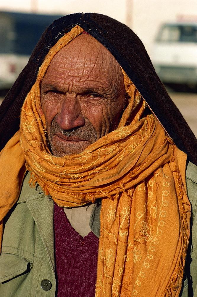 Local tradesman, Sousse, Tunisia, North Africa, Africa - 188-4229