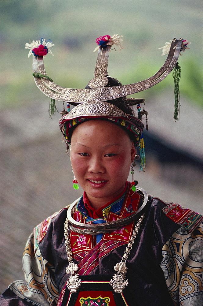 White collared Miao Dandu style of dress, China, Asia - 188-4672
