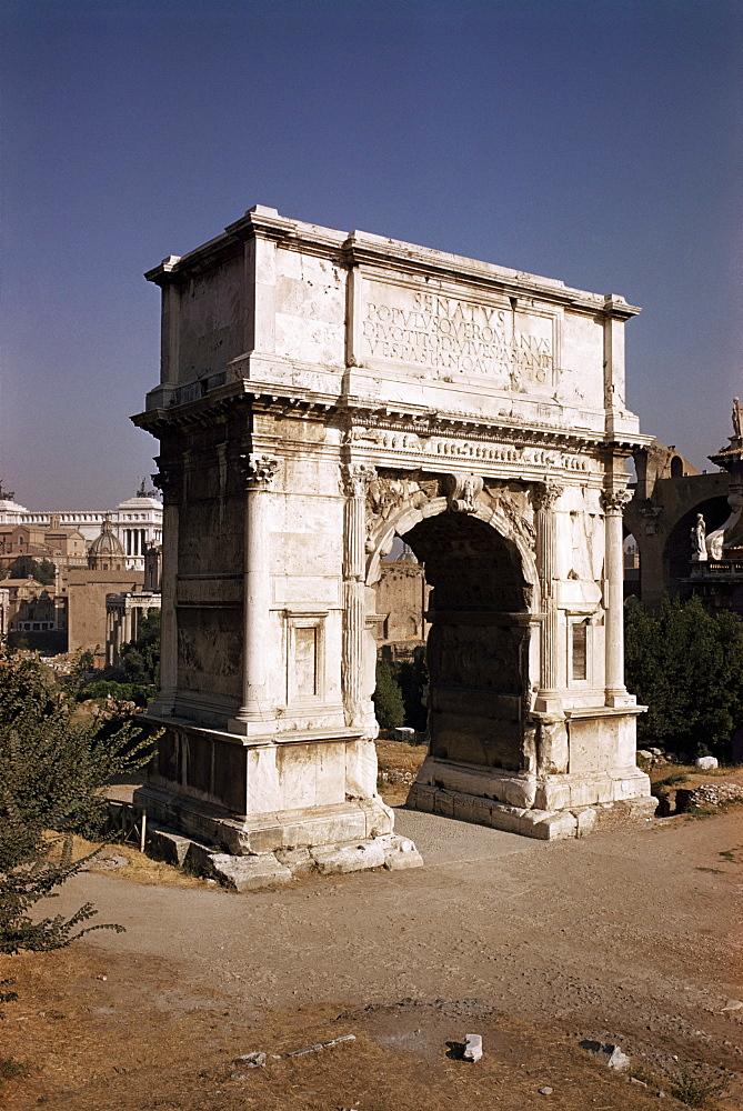 Arch of Titus, commemorating capture of Jerusalem in 70 AD, Rome, Lazio, Italy, Europe