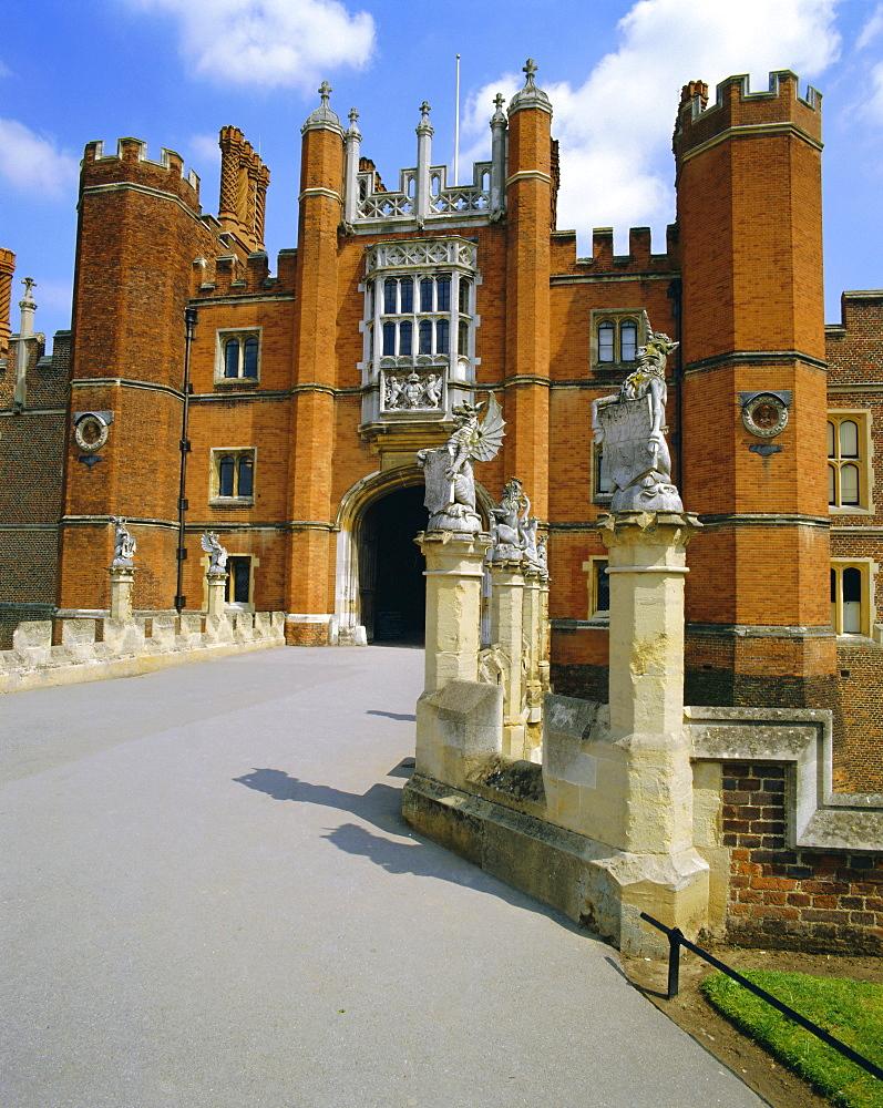 The Queen's Beasts on the bridge leading to Hampton Court Palace, Hampton Court, London, England, UK