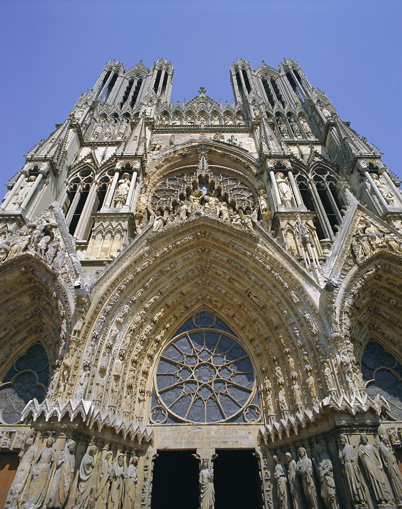 West front, Reims Cathedral, UNESCO World Heritage Site, Champagne, France, Europe