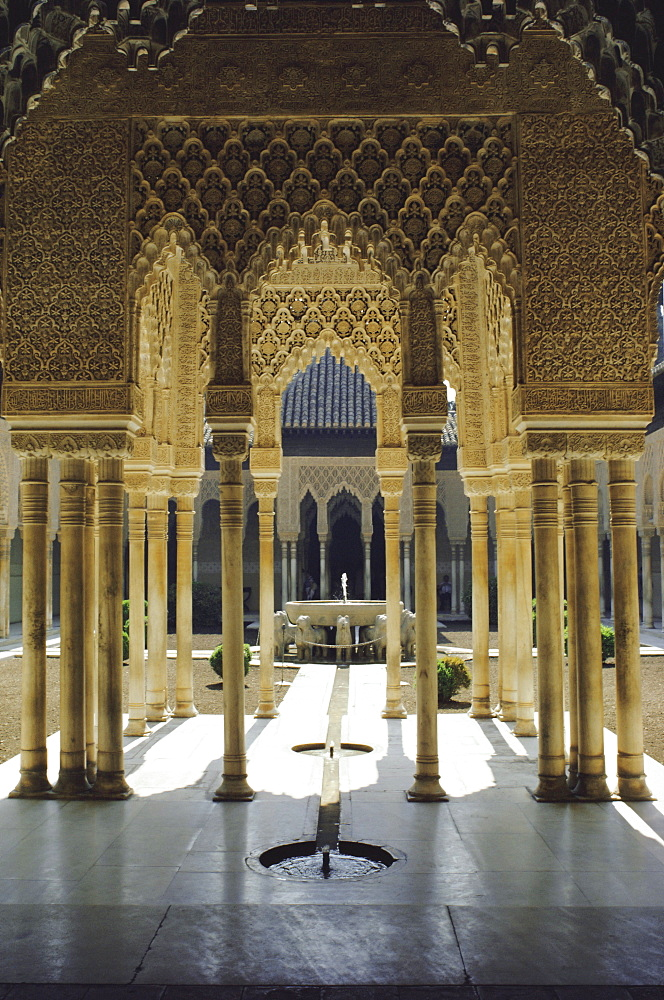 Moorish architecture of the Court of the Lions, the Alhambra, Granada, Andalucia (Andalusia), Spain, Europe