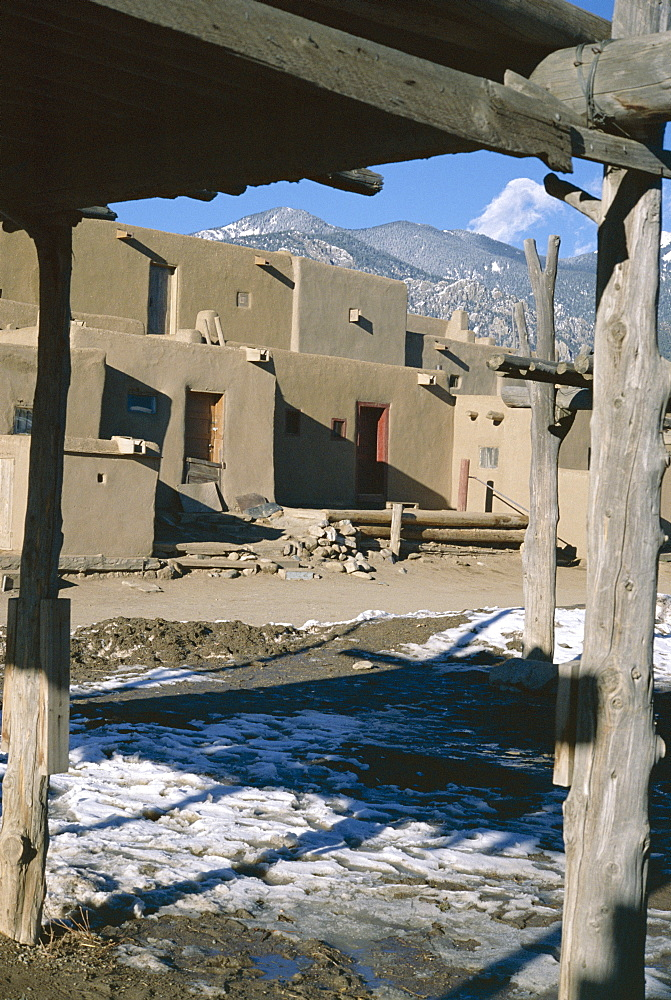 Multistorey adobe buildings in north complex dating from around 1450 AD, Taos Pueblo, UNESCO World Heritage Site, Taos, New Mexico, United States of America (U.S.A.), North America