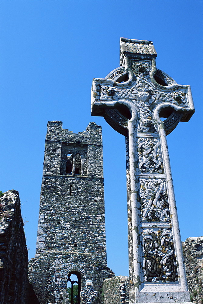 High cross, church of Slane Friary, County Meath, Leinster, Republic of Ireland (Eire), Europe